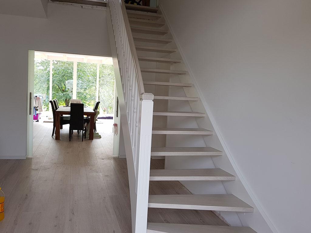 Bequem und sicher - geradläufige Treppen