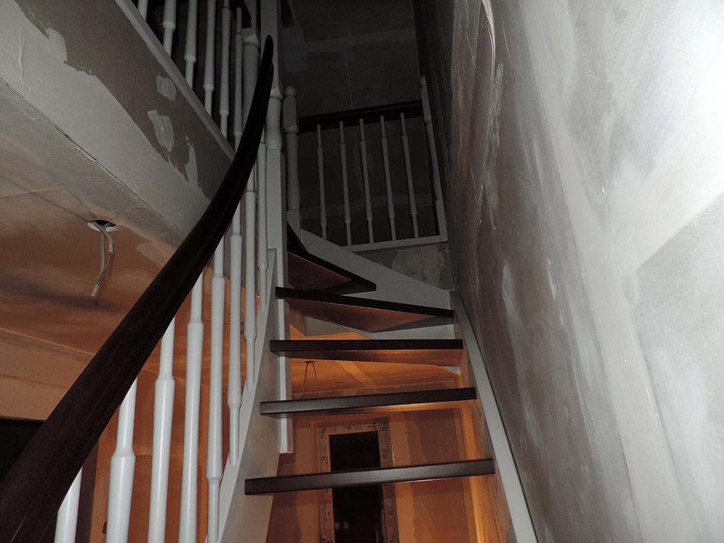 Günstige Treppenmontage von JK Holztreppen