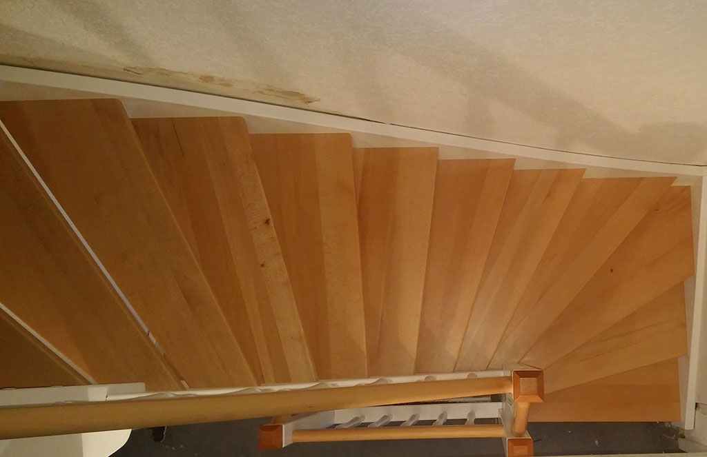 Treppenverkleidung aus Holz