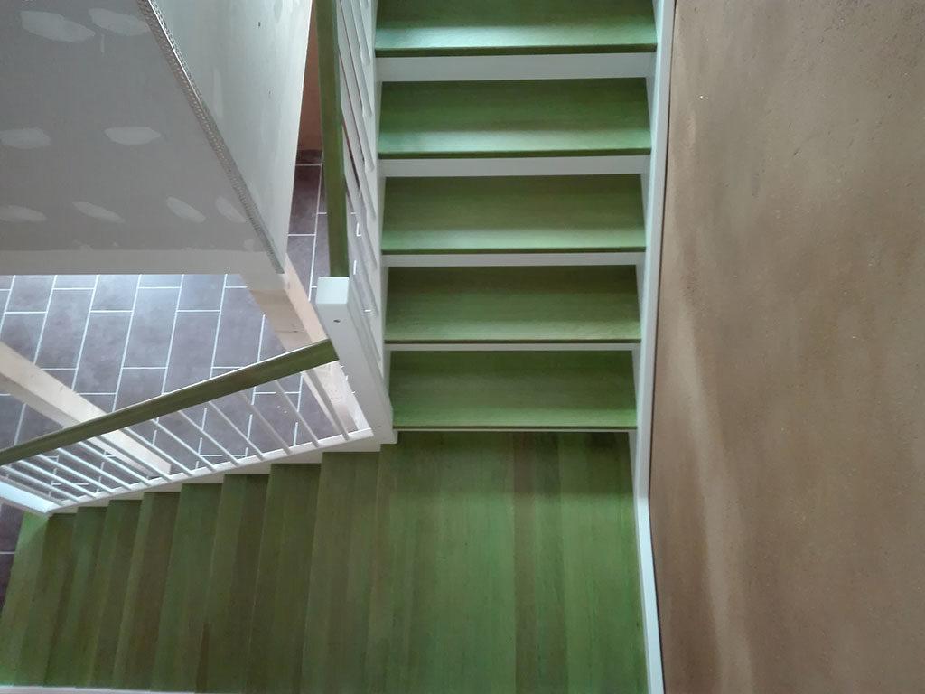 Knarren nur alte Treppen oder auch die neuen?